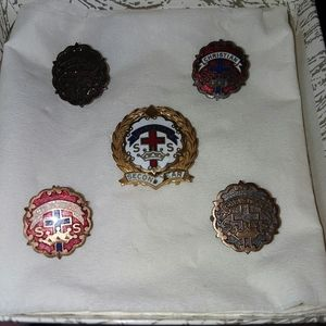 VINTAGE CHRISTIAN LITTLE CROSS & CROWN PINS/MEDALS